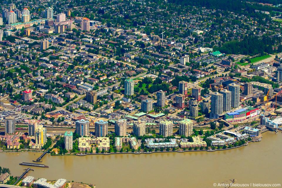 Аэрофото: New Westminster и станция скайтрейна Columbian (Vancouver, BC)