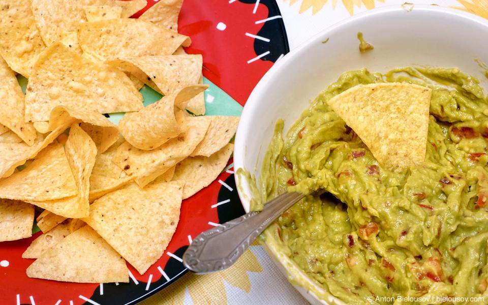 Nachos with Guacamole