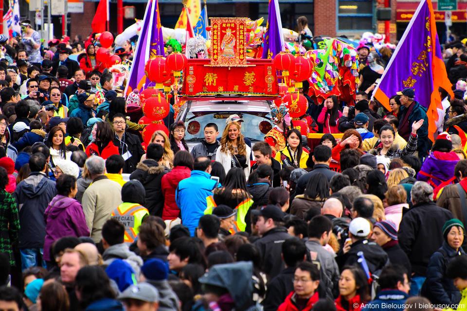 Поток китайских китайцев на китайском параде
