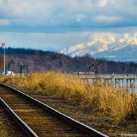 Рельсы на набережной White Rock  — здесь проходит один из самых красивых железнодорожных путей