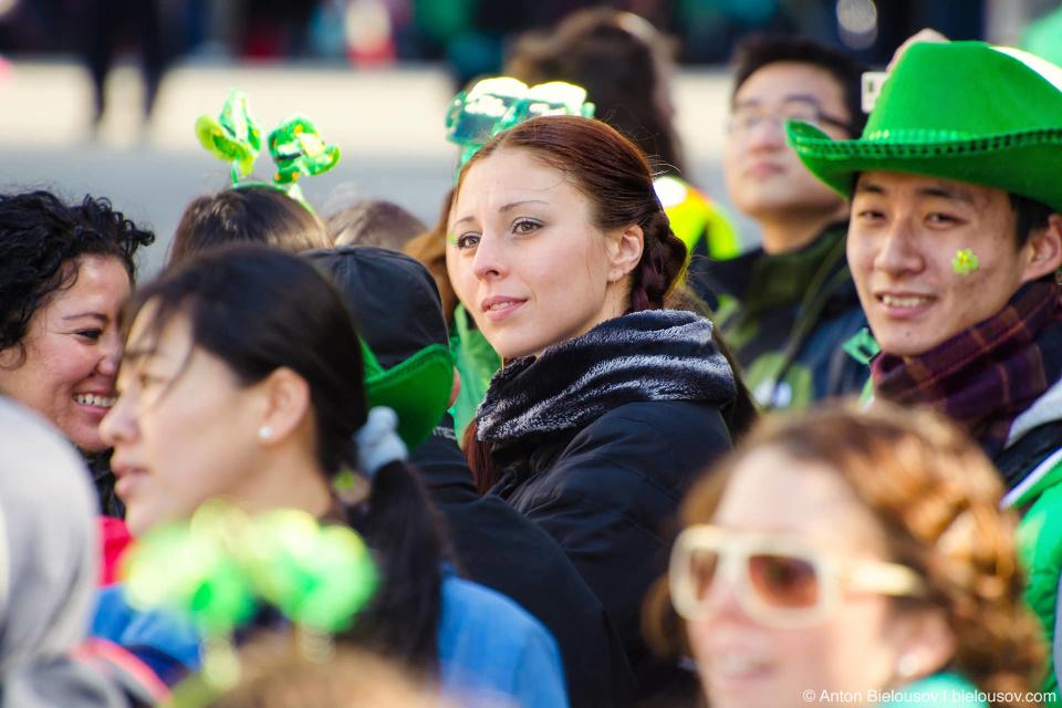 Вообще ирландцы здесь бывают самые разные — испанские, украинские, китайские. Это — Канада, привыкайте.