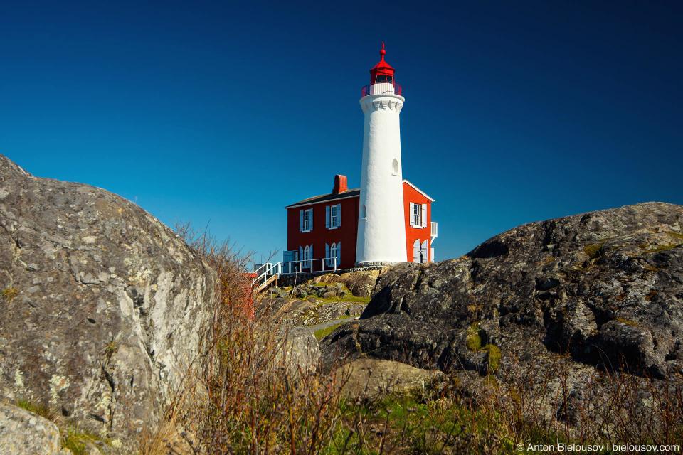 Fisgard Lighthouse (Victoria, BC) — старейший маяк (1860) на западном побережье Канады