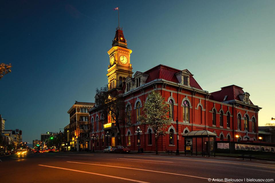 Городская ратуша Виктории (1890, Ампир)