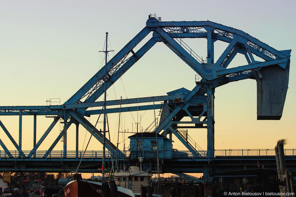 Троянсий мост (Johnson Street Bridge, Victoria BC)