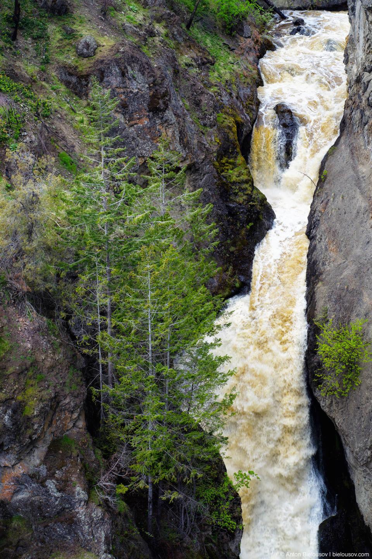Водопады в провинциальном парке Медвежий ручей (Bear Creek Provincial Park)