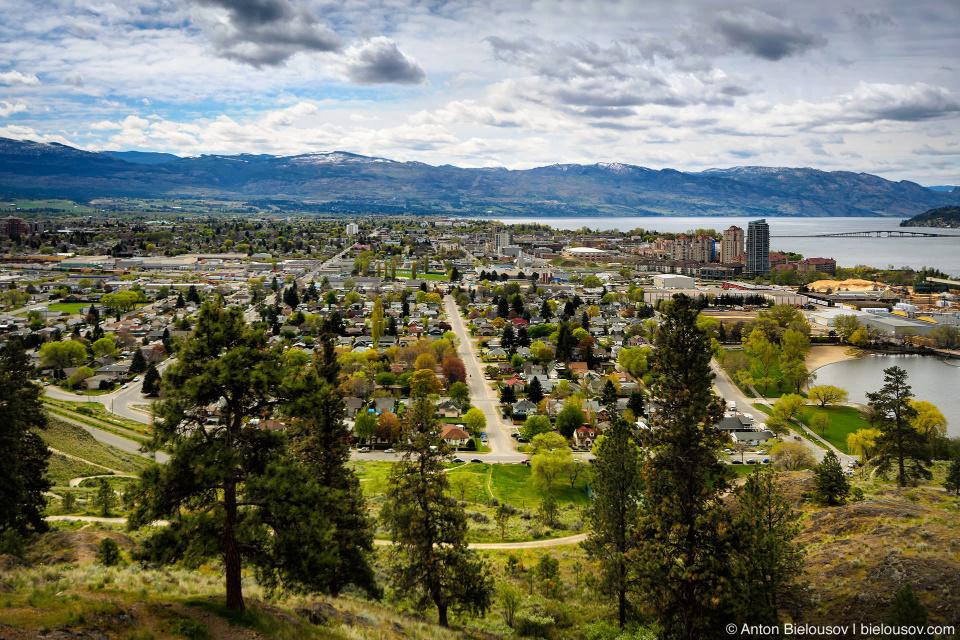Kelowna, BC — 22-ой город в Канаде по количеству жителей с населением 117 тыс. человек и один монстр.