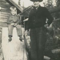 Сын Элисон и Росса Барр в послеке Parkhurst, 1936