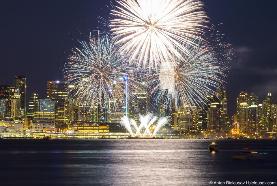 Фейерверк на День Канады 2013 в Ванкувере