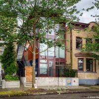 В Ванкувере построили первое своего рода в Канаде социальное жилье из грузовых контейнеров