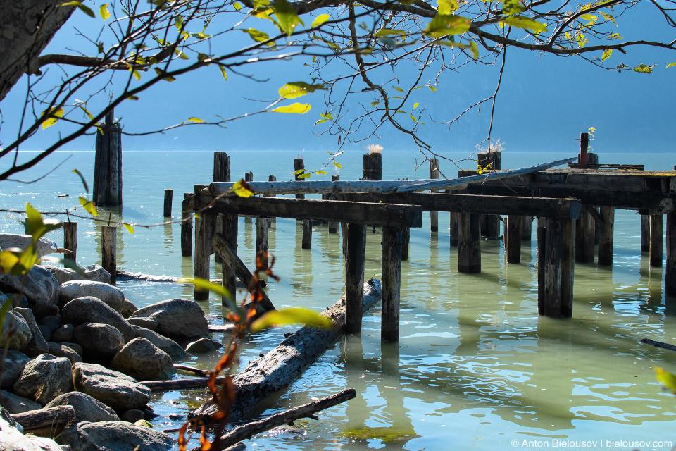 Развалины пристани (Britannia Beach)