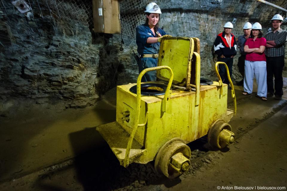 Шахтерский мобильный туалет (Britannia Mine Museum)
