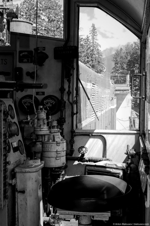 Кабина локомотива