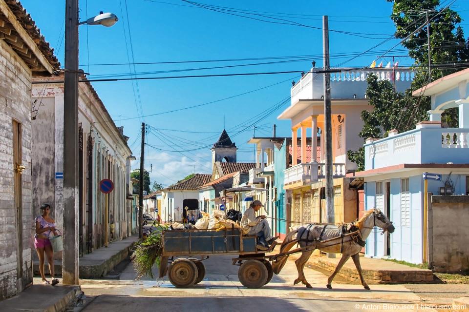 Для хозяйственных нужд, конечно, велосипеда мало. Гужевой транспорт на Кубе (Remedios, Villa Clara)