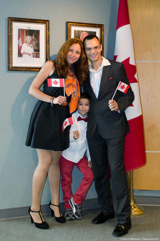 Дальше все первый раз в статусе граждан Канады спели гимн… и все.