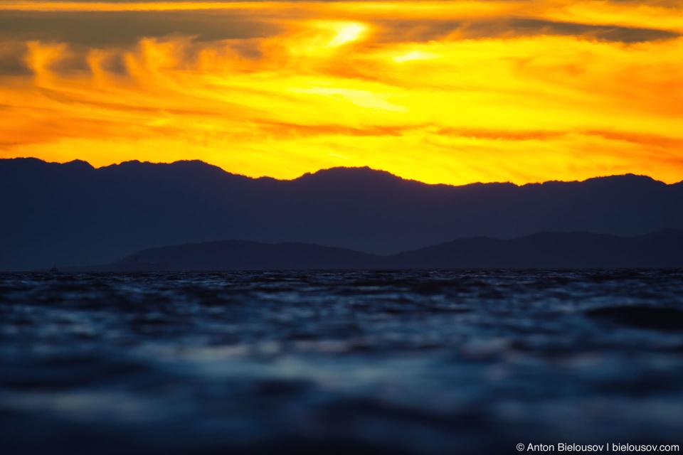 Sunshine Coast, BC: Запоминающийся такой, Юпитерианский закат.