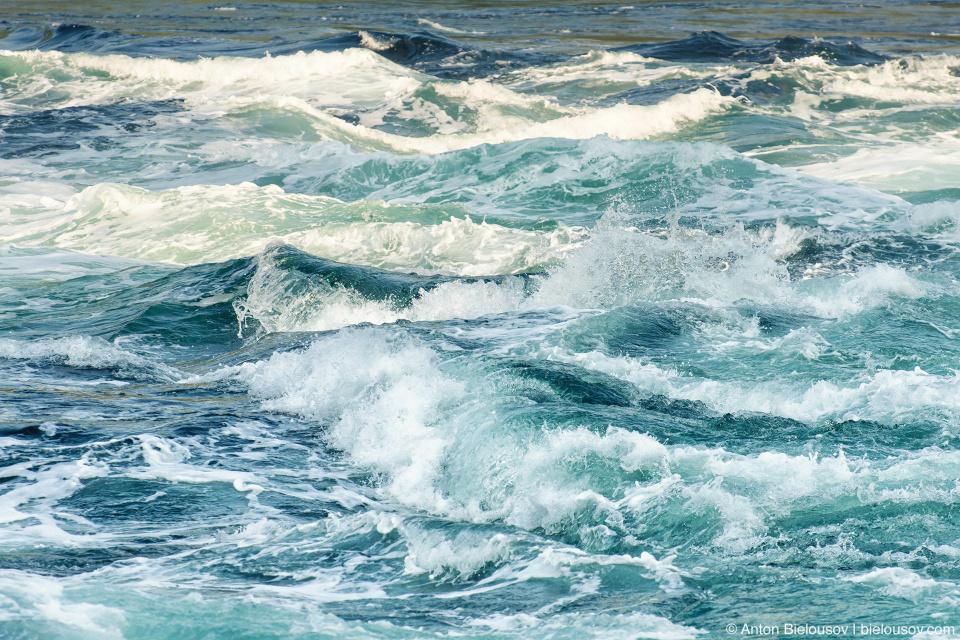 Skookumchuck Narrows Waves