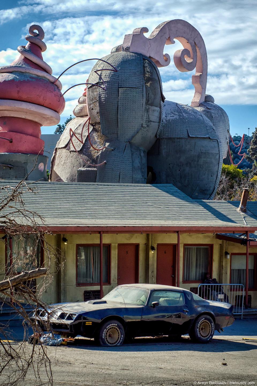 Psycho Bate's Motel at Universal Studios Backlot, Hollywood, CA