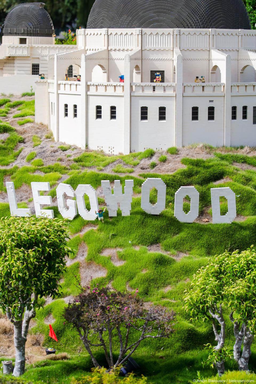 Legowood: Как не трудно догадаться, в Голливуде знаменитая надпись на горе защищена копирайтом.