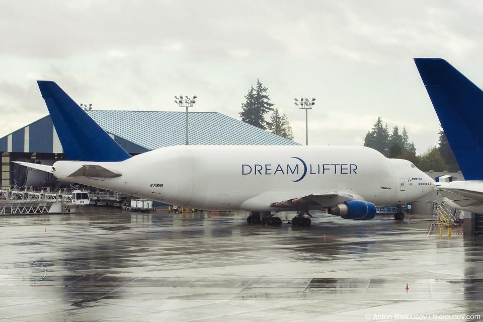 Boeing Dreamlifter in Everett, WA