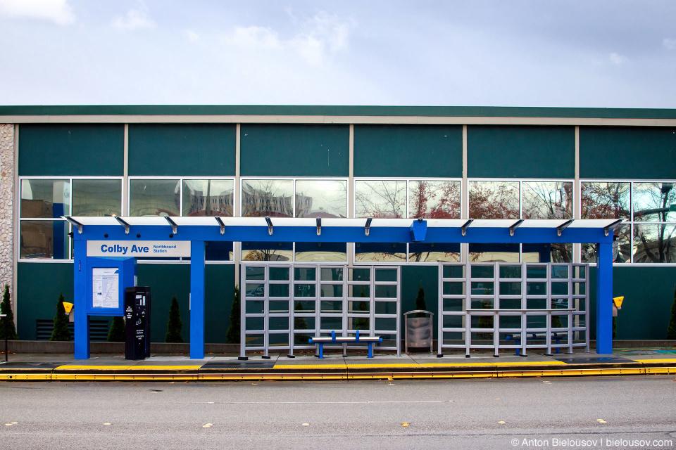Автобусная остановка в Эверетте (Everett, WA)
