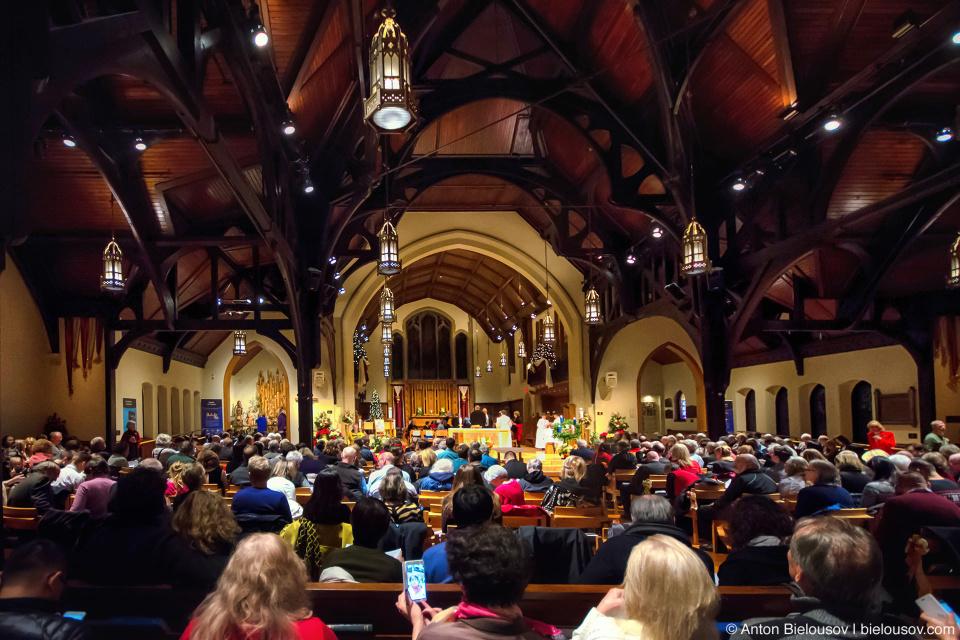 Рождественская месса в Christ Church Cathedral (Vancouver)