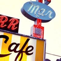 Кафе Twede's Cafe в фильме называлось Double R Diner.