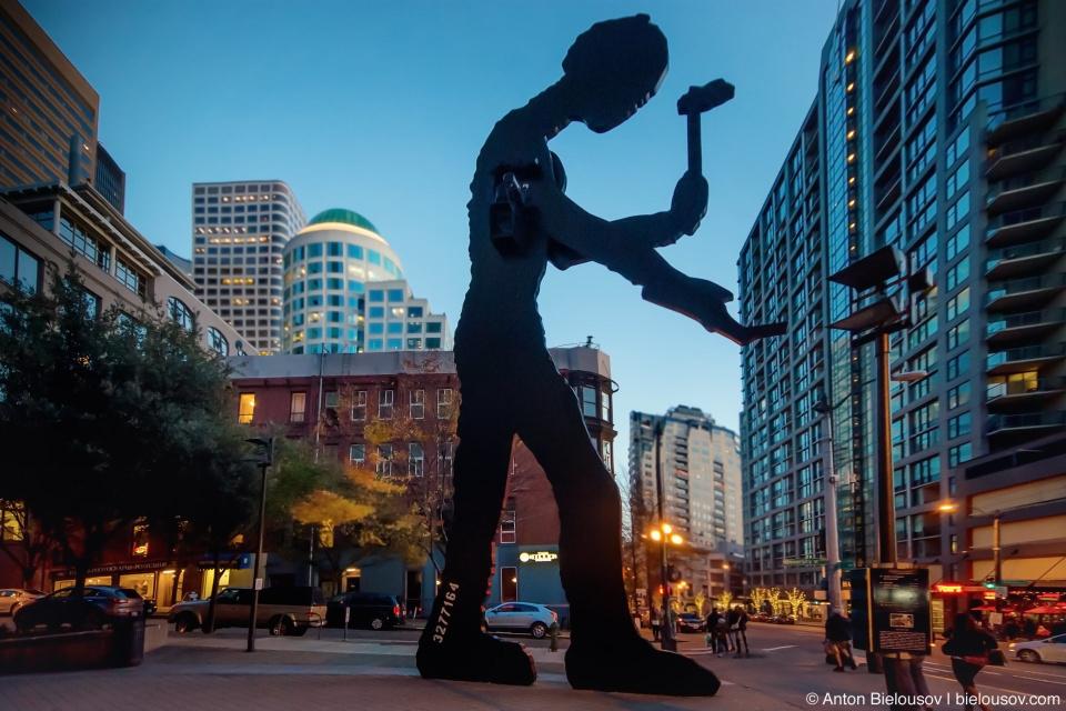 """Hummering Man"" — Seattle Art Museum"