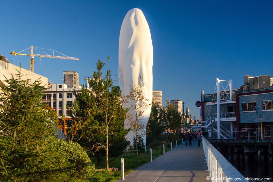 Скульптура в парке Olympic Sculpture Park (Seattle, WA)
