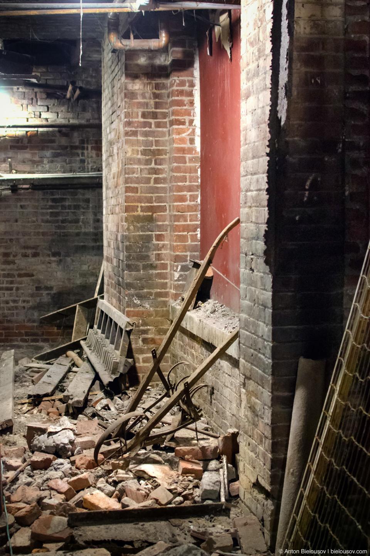 Seattle Underground Tour: street level debris