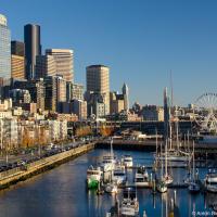 Лично я нашел для себя в набережной Сиэттла воплощение лучших качеств торонто и Ванкувера: это плотная застройка с четкой линией фасадов как в Торонто, но с морем и пристанью как в Ванкувере.