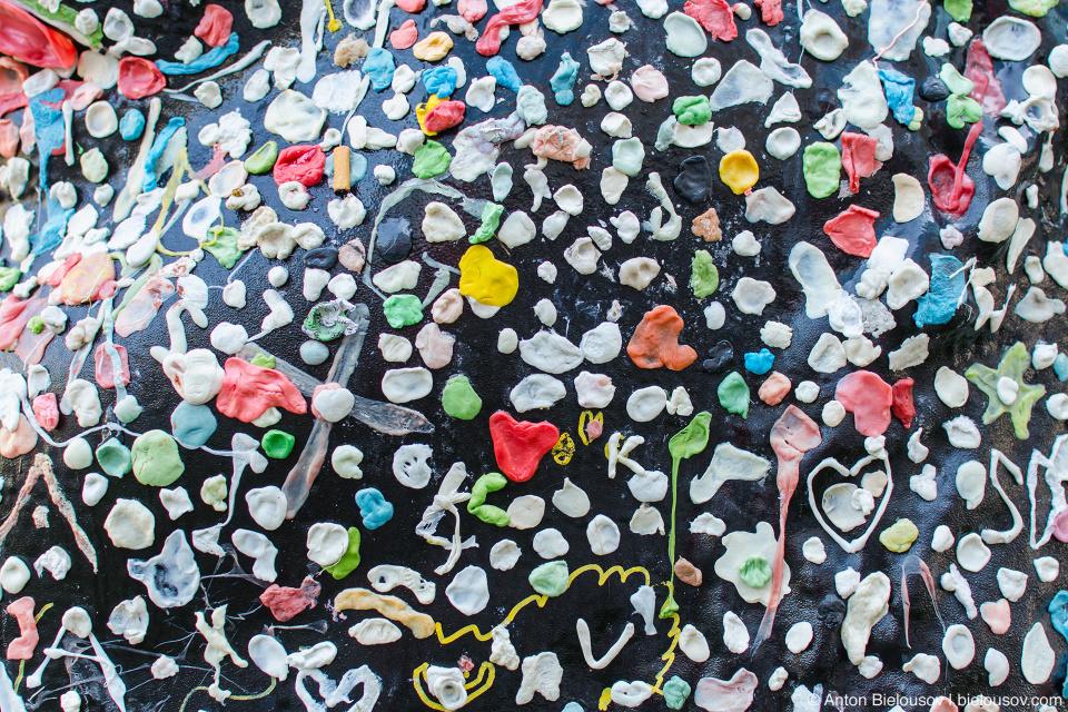 Douglas Coupland's Gumhead bubble gums in Vancouver