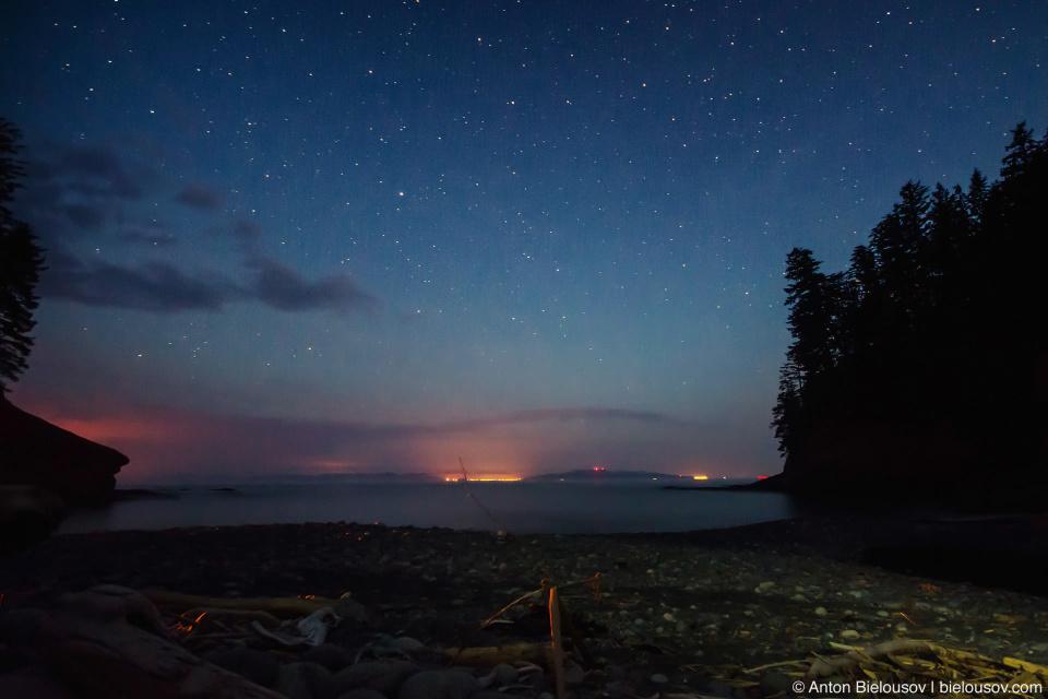 Звездное небо над заливо Juan-de-Fuco
