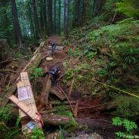 На этой части маршрута ведется активная деятельность по обновлению тропы. Здесь, например, должен быть мост.