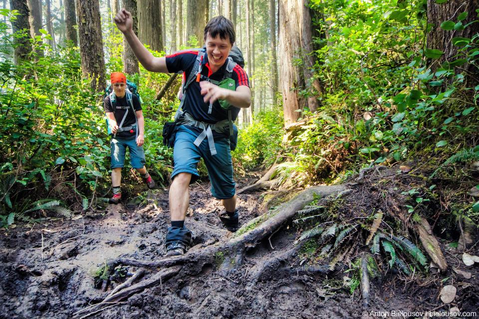 Грязь на тропе West Coast Trail