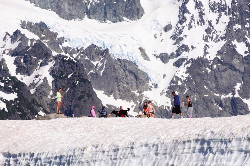 Ледник Upper Curtis Glacier на склоне горы Shuksat Mountain