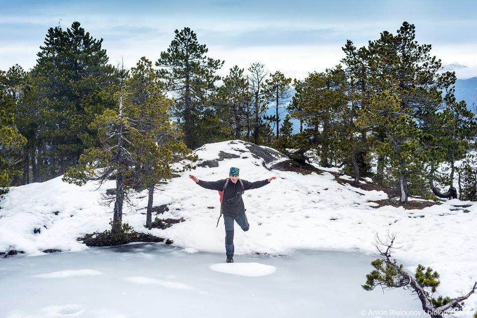 Замерзшее озеро на Третьем Пике Stawamus Chief