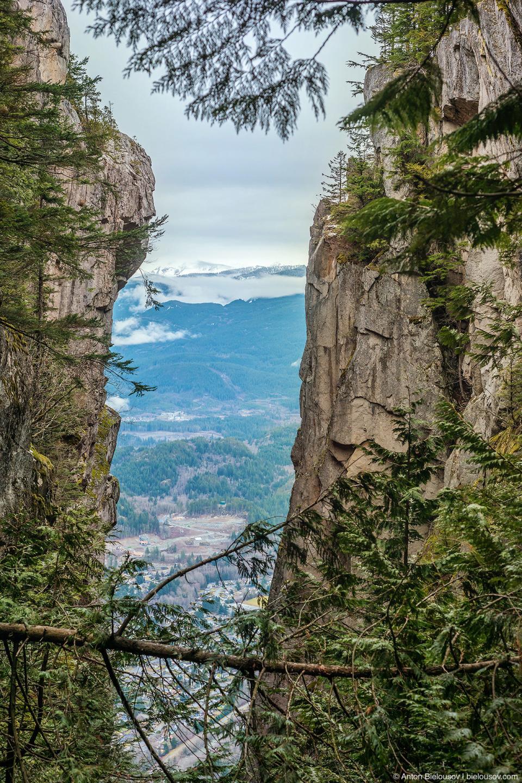 Скалы между Вторым и Третьим пиками Stawamus Chief