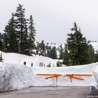 Если вас когда-нибудь интересовало, как это когда горная дорога закрыта на сезон, то это вот так.