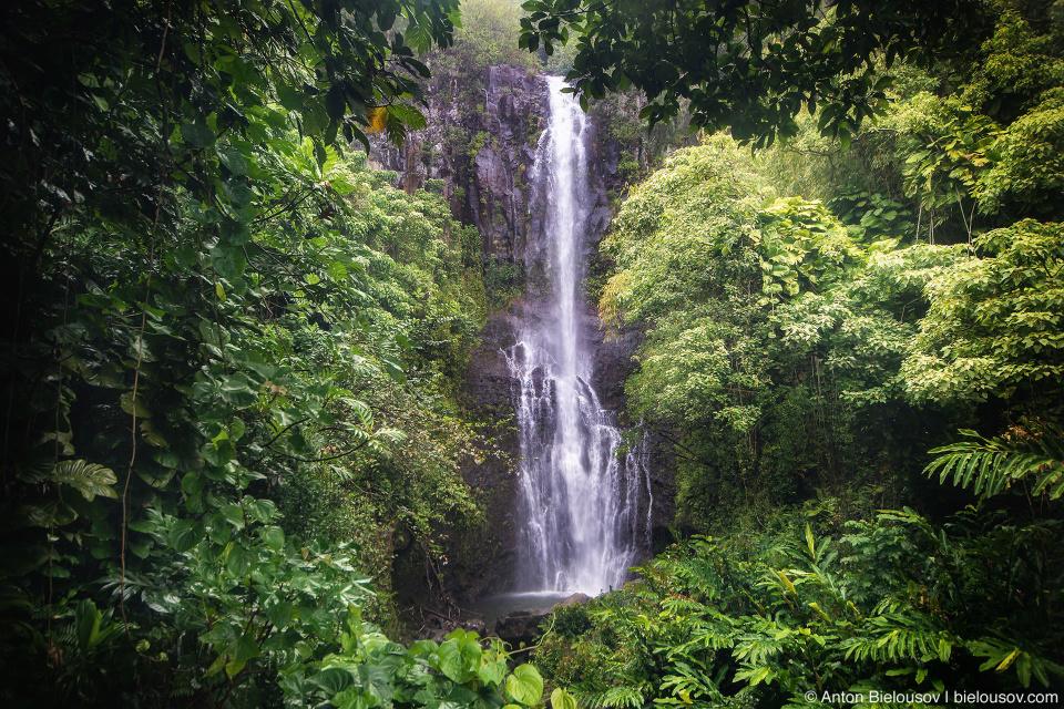 Водопад на дороге на Хану (Maui, HI)