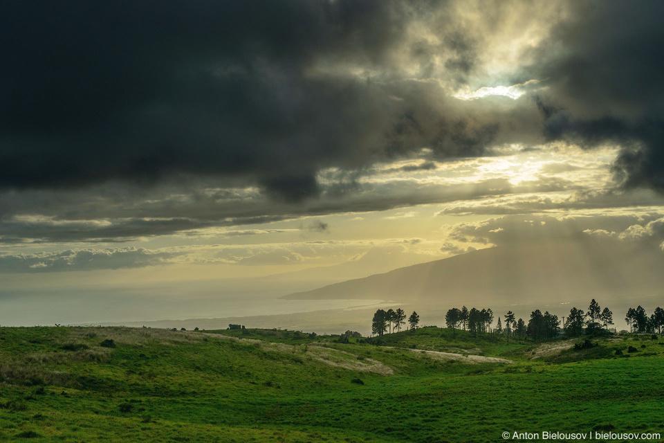 Вид на юго-восточную часть Мауи с дороги на Халеакалу