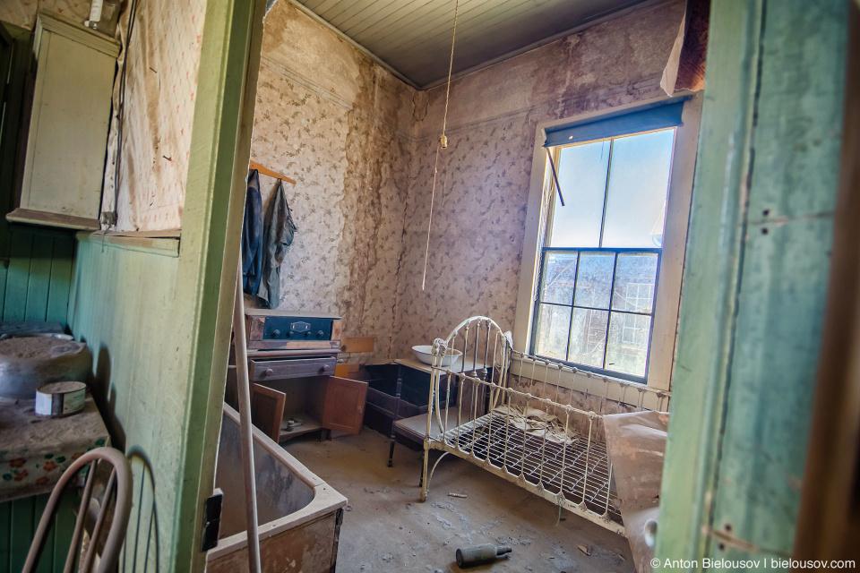 Abandone house room Bodie, CA