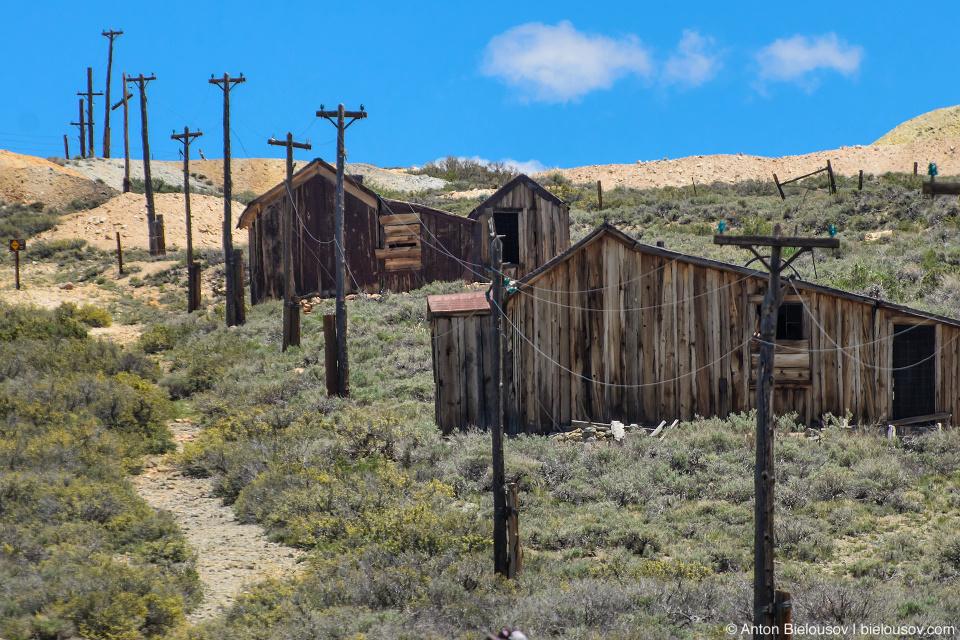 Электрические столбы (Bodie, CA)