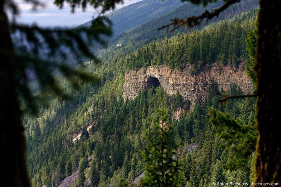 Spahats Natural Bridge (Wells Gray Provincial Park, BC)