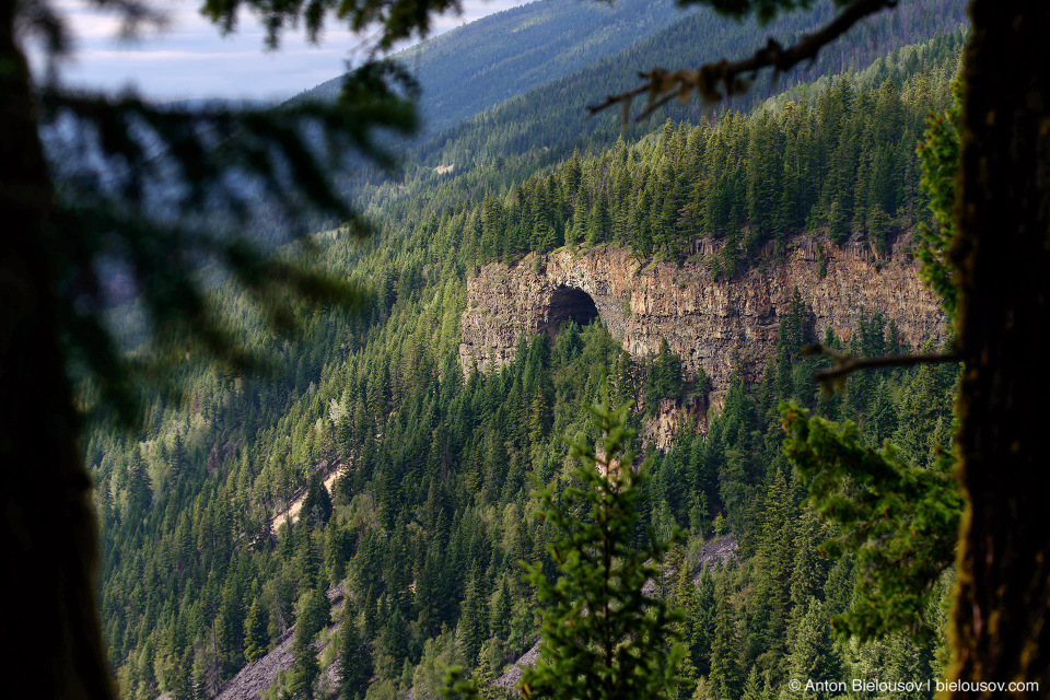 Spahats Natural Bridge (Wells Gray Provincial Park, BC)
