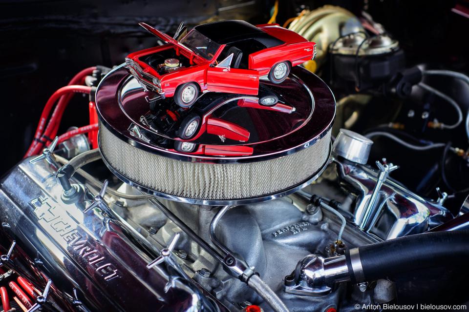 2016 Port Coquitlam Car Show — Chevrolet Engine