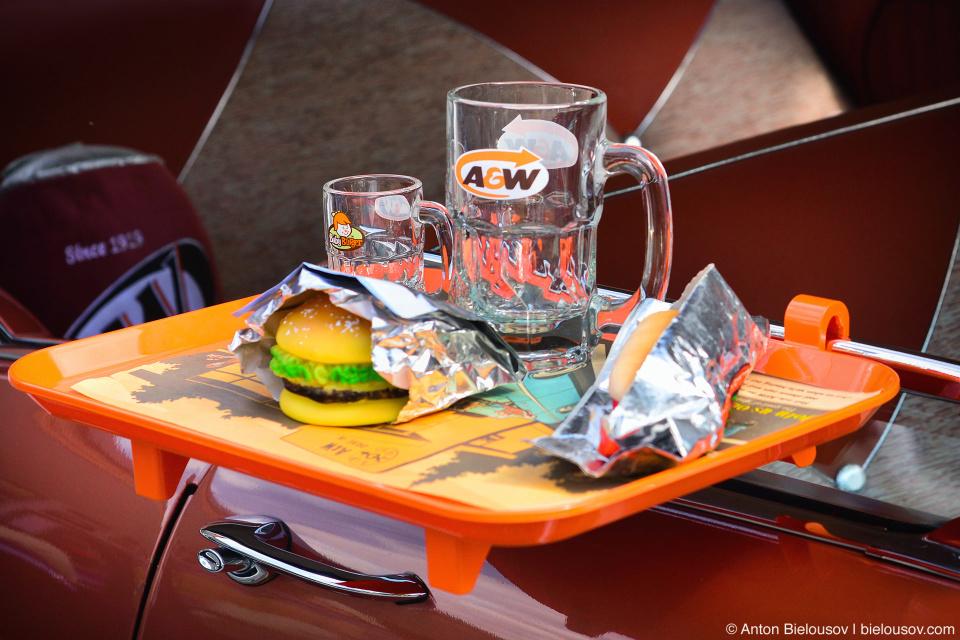 2016 Port Coquitlam Car Show — A&W Drive-In Restaurant