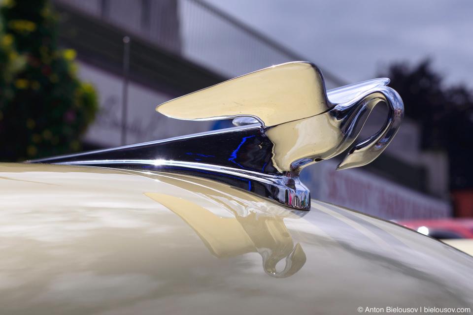 2016 Port Coquitlam Car Show - Retro Car Swan Ornament