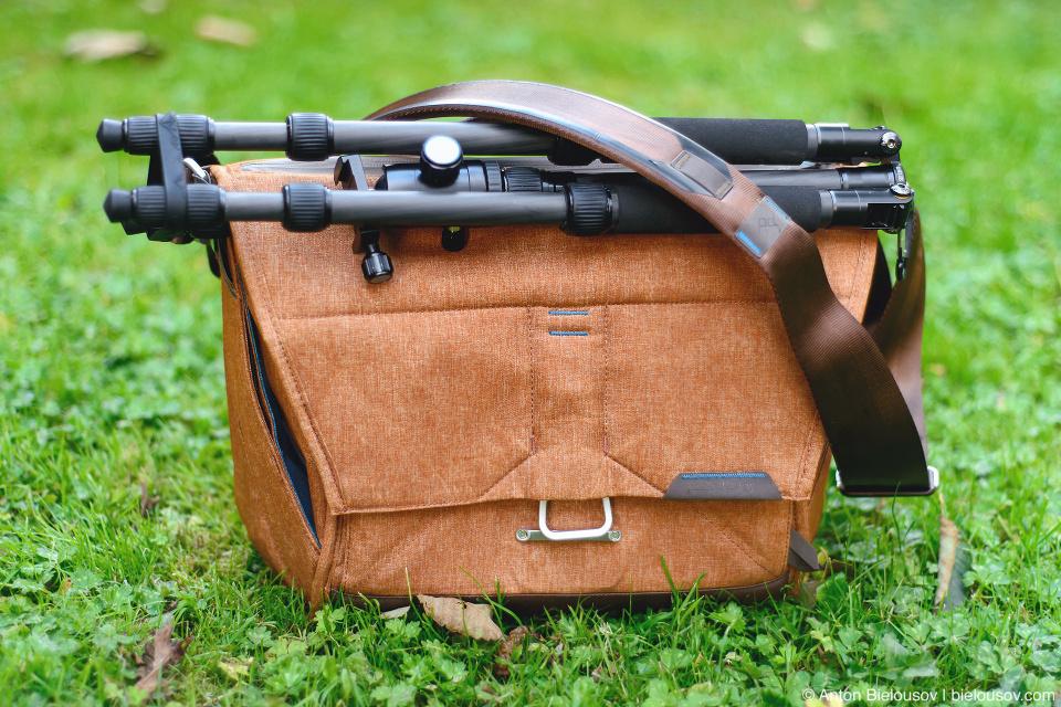 PeakDesign Everyday Messenger Bag with Tripod