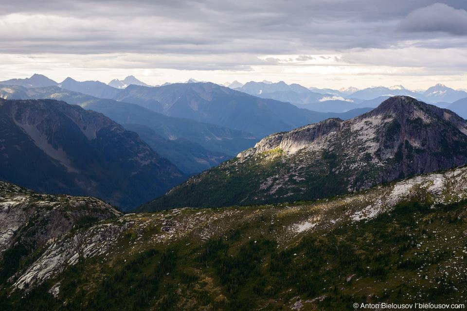 Утро на вершине горы: пейзаж в стиле Властелина Колец (Lord of the Rings)