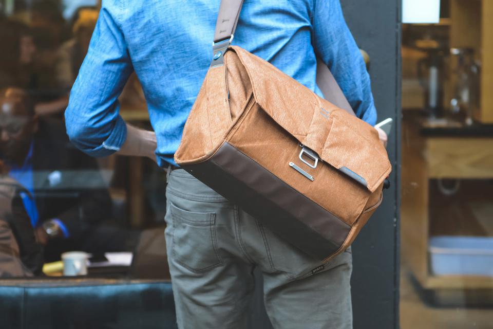 Peak Design Everyday Messenger Bag (Heritage Tan)